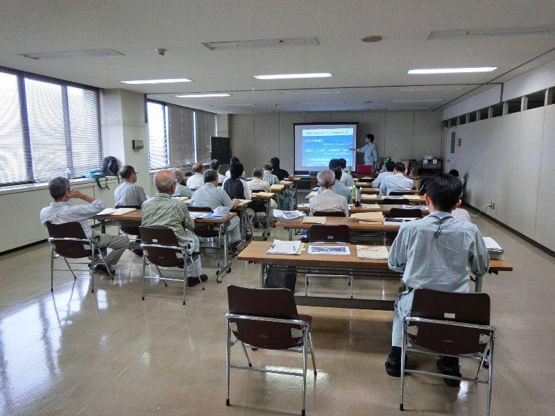 140827静岡県森林土木技術研究会H26研修会で岩接着DKボンド工法の説明